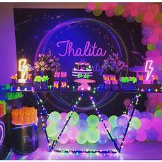 57 Ideas for birthday party boy Neon Birthday, Birthday Party For Teens, Happy Birthday, Glow In Dark Party, Glow Party, Birthday Party Invitations, Birthday Party Decorations, Blacklight Party, Party Time
