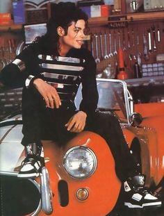 Michael Jackson rockin' LA Gear sneakers back in Jackson 5, Paris Jackson, Jackson Family, Michael Jackson Fotos, Michael Jackson Bad Era, Michael Jackson Poster, Michael Jackson Wallpaper, Lisa Marie Presley, Elvis Presley