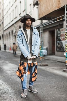 Essential layers. Julian Hernandez wears a Sherpa Trucker jacket to top off his 501 Skinny jeans on the streets of Stockholm. Photo: Emma Svensson