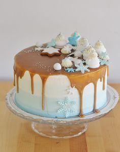 Tämä kakku on tehty Leivontabloggaajailtaa Winter Wonderland teemalla.   LBI2015 illasta voit lukea lisää täältä .     Kakussa on p...