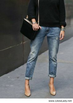 Nude pumps and boyfriend jeans Mode Outfits fd033bf41326f