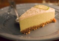 yummy key lime pie at cafe gratitude in Los Angeles Delicious Vegan Recipes, Raw Food Recipes, Delicious Desserts, Yummy Food, Yummy Yummy, Raw Desserts, No Bake Desserts, Health Desserts, Vegan Key Lime Pie