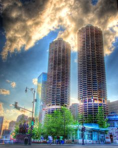 Marina Towers from Wabash-24 Amazing and Strange Building From Around The World