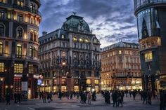 Vienna was called the most livable city in the world in 2018 and is one of the prettiest cities in Europe to visit. Being the capital of Austria, the city is not too big, so you can explore Vienna during a weekend or even in 24 hours if you […] Best Cities In Europe, Travel Around Europe, Cool Places To Visit, Places To Go, Europe In December, Hotel Weekend, Airlie Beach, Belle Villa, European Vacation