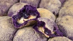 Best Ube Pandesal Recipe with Cheese and Ube Jam Filling – Recipes by Lucelle food recipe breakfast Best Ube Pandesal Recipe with Cheese and Ube Jam Filling Ube Cheesecake Recipe, Yema Cake Recipe, Buttercream Recipe, Cheesecake Tarts, Pan De Ube Recipe, Ube Mochi Recipe, Ube Bread Recipe, Ube Dessert Recipe, Pandesal