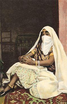 Lehnert & Landrock - Galerie - Algerian woman