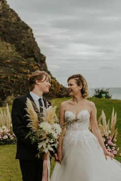 Boho Picnic Cliffside Elopement   Styled Shoot Wedding Shoot, Wedding Dresses, Visit New Zealand, Picnic Set, Newly Married, Couple Photography, Love Story, The Incredibles, Boho