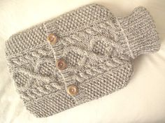 Hug a (warm) hot water bottle. Skin Burns, Love Pain, Recycled Sweaters, Water Bottles, Good Things, Warm, Sewing, Knitting, Crochet