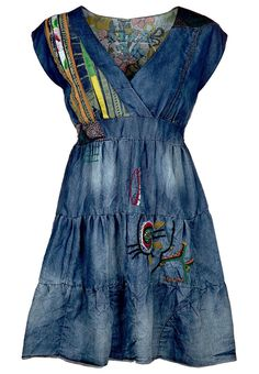 I love love the spanish line desigual! I tried this dress on and it's super cute