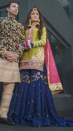 Pakistani Mehndi Dress, Pakistani Fashion Party Wear, Pakistani Dresses Casual, Pakistani Wedding Outfits, Pakistani Wedding Dresses, Pakistani Dress Design, Bridal Outfits, Dress Indian Style, Indian Dresses