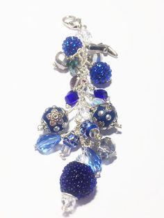 This is a multi beaded chunky purse charm. Each purse charm includes at least… Tassel Jewelry, Beaded Jewelry, Jewelery, How To Make Purses, Blue Purse, Beaded Purses, Pandora Bracelets, Diy Jewelry Making, Jewelry Crafts