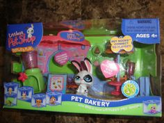 LPS Littlest Pet Shop Display & Play Bakery Cuddlest Bunny Rabbit Push and Play