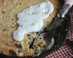 One pan cookie ou cookie géant cuit dans une poêle : http://www.fourchette-et-bikini.fr/recettes/recettes-minceur/one-pan-cookie-ou-cookie-geant-cuit-dans-une-poele.html