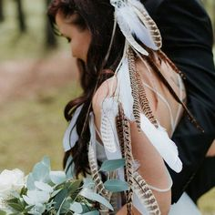 A handmade falling feather veil perfect for a boho bride! A silver metal comb decorated with a cream braid trim with cascading natural wild pheasant feathers & white goose feathers sewn onto cream faux leather cord (120cm in length). This headpiece looks beautiful worn alone or combined with a veil Feather Bouquet, Feather Headpiece, Boho Bride, Boho Wedding, Wedding Dress, Goose Feathers, Pheasant Feathers, Coloured Feathers, Metal Comb
