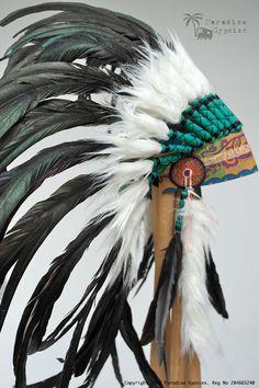 Alle schwarze Feder Kopfschmuck Zigeuner Seide von ParadiseGypsies                                                                                                                                                                                 Mehr Native American Face Paint, Native American Decor, Native American Photos, Native American Fashion, Native American History, Native American Indians, Indian Headdress Tattoo, Feather Headdress, Feather Art