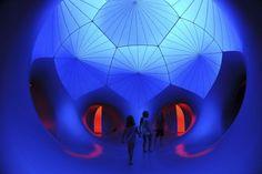 -Una ciudad hecha de aire- La estructura hinchable Exxopolis adorna la explanada de la Ópera de Sydney hasta el 27 de enero