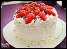 Erdbeer-Schoko Mini Torte <3 Rezept: http://veganerteller.blogspot.de/2014/05/erdbeer-schoko-mini-torte-vegan.html  #vegan #veganism #veganfood #foodporn #veggie #supergeil #lecker #whatveganseat #nomnomnom #torte #muttertag #waldfrüchte #kuchen #backen #veganfoodshare #foodshare