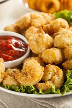 Tasty Seafood Recipe: Crispy Fried Popcorn Shrimp inspired by Long John Silver Restuarant Shrimp Dishes, Fish Dishes, Shrimp Recipes, Fish Recipes, Appetizer Recipes, Dinner Recipes, Appetizers, Copycat Recipes, Popcorn Shrimp