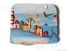"""Часы """"Чудо-юдо рыба кит"""" driftwood"""