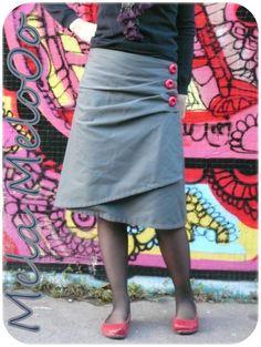 Jolie jupe portefeuille asymétrique