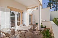Lägenhet med stor terrass och soligt söderläge i Cala Major