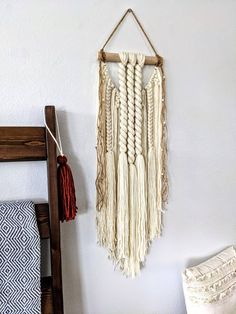 Macrame wall hanging/woven wall hanging Woven Wall Hanging, Wall Hangings, Dream Catcher, Macrame, Diy, Home Decor, Dreamcatchers, Decoration Home, Bricolage