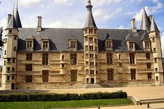 Nevers — Wikipédia