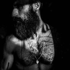 ___ ... ___ la nuvola fugge tra gli angoli neri  di una personalità moltiplicata_ che esplora la sua dimensione dove un silenzio combacia con un orecchio sospeso lontano e che riverbera la propria esistenza  con suo materico imporsi___ Se questa è una trappola a me piace la prigione  #organ #improvisation #pipeorgan #filipposorcinelli #unum #sauf #lavs #art #artist