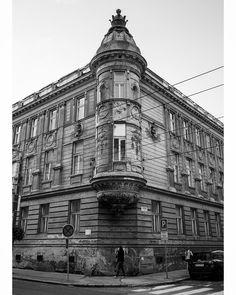 """Páči sa mi to: 8, komentáre: 1 – Marian Hodonsky (@marianhodonsky) na Instagrame: """"Najkrajsi balkon v Bratislave 😍  #bratislava #slovakia #streets #architecture #oldtown…"""""""