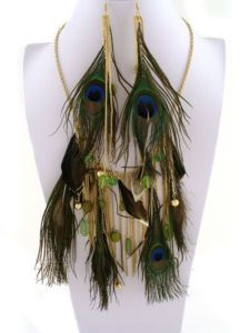 Peacock feathers gold tone chunky statement necklace