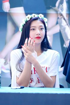 Find images and videos about kpop, red velvet and joy on We Heart It - the app to get lost in what you love. Seulgi, Red Velvet Joy, Red Velvet Irene, Kpop Girl Groups, Kpop Girls, Joy Rv, Red Valvet, Park Sooyoung, Hair Again