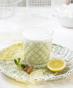 Leche de almendras al limón y menta