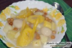 Pinoy Tsibog: Ginataang Bilo-Bilo (Sticky Rice Balls in Coconut Milk)