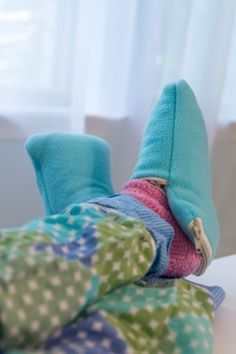 Totally Stitchin': Toasty Toes Project - keep your toes warm with these DIY fleece slip ons with a surprise inside