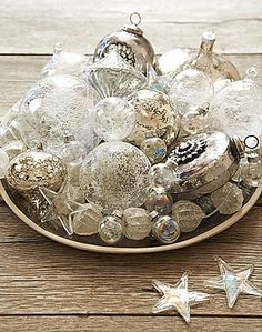 Inspiration Lane -  I'm dreaming of a white christmas / baubles