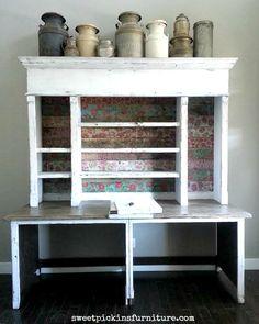 Cubrir madera con servilletas florales, para panelar una pared