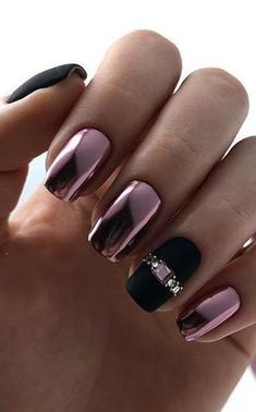 Great Black Matte and Chrome Nails
