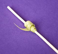 Making Paper Beads - good rainy day craft for the kiddos #craft #fun #easy