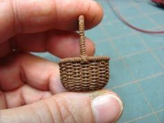 weaving a wee basket with crochet thread tutorial.