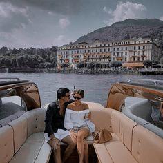 Louvre, Couples, Building, Travel, Viajes, Buildings, Couple, Destinations, Traveling