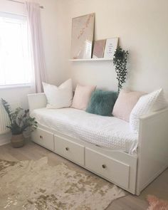 Bed For Girls Room, Bedroom Decor For Teen Girls, Girl Bedroom Designs, Room Ideas Bedroom, Small Room Bedroom, Home Decor Bedroom, Tiny Bedroom Design, Ikea Bedroom, Spare Room