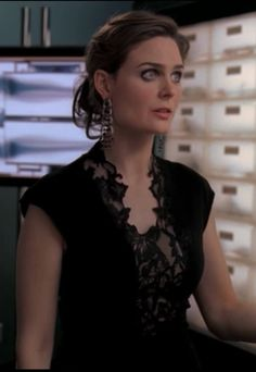 Black Lace Dress Temperance Brennan - Bones, Season 4, Epsiode 9