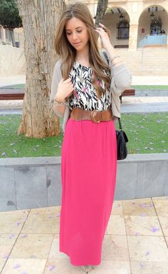 20 Stylish Ways To Wear Maxi Skirt - Top Fashion Corner Fashion 101, Fashion Looks, Womens Fashion, Maxis, Fashion Corner, Dress For Success, Street Style Looks, Winter Wear, Modest Fashion