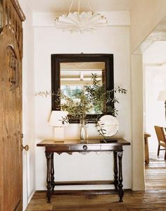 In a farmhouse design, the side table seems to have important roles that are unreplaceable. The farmhouse side table is not there for merely functions but the right design and … Entry Foyer, Entryway Tables, Console Tables, Front Entry, Design Entrée, Verre Design, Hollywood Hills Homes, Farmhouse Side Table, Home Upgrades