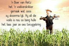 Dankie tog vir skoonma's in SA . sonder hulle sou daar nooit 'n grap saam die braai gewees het! Afrikaans Quotes, My Land, Caricatures, Funny Humor, Laughter, Wisdom, Thoughts, Signs, Words