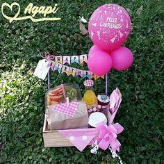 Diy Birthday Decorations, Balloon Decorations Party, Diy Gift Box, Diy Gifts, Birthday Box, Birthday Gifts, Birthday Breakfast, Surprise Box, Mom Cards