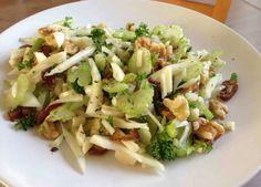 Afgelopen zomer at ik venkel pas voor het eerst en het is een aanrader! De venkel salade is gemakkelijk te maken. Je kan deze 's avonds maar ook zeker 's middags als lunch eten