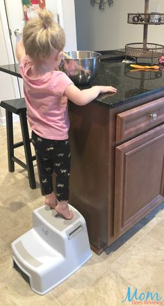 Step Up Your Child's Daily Routine With Heyok Dual Height Step Stool #MegaChristmas17 -