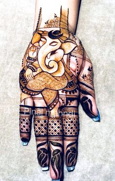 Easy and Latest Mehndi Designs of 2019 - SetMyWed Indian Henna Designs, Latest Bridal Mehndi Designs, Mehndi Designs 2018, Modern Mehndi Designs, Mehndi Design Pictures, Mehndi Designs For Girls, Wedding Mehndi Designs, Dulhan Mehndi Designs, Mehndi Images