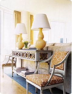 love this console table & the Yellow & Grey color combo
